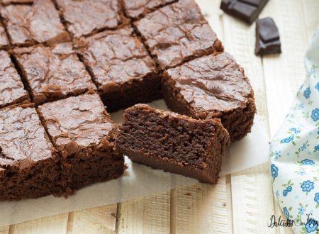 Brownies ricetta originale al cioccolato fondente facile e veloce