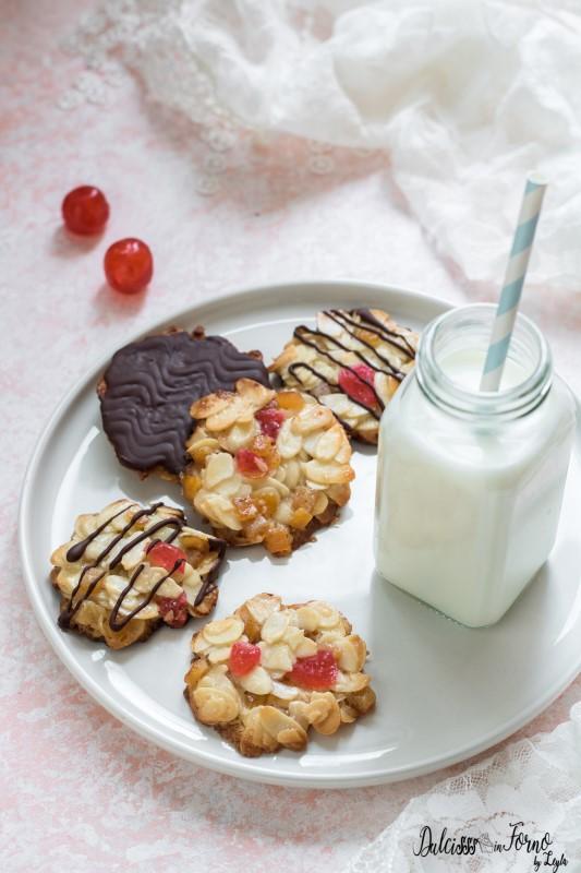 Biscotti fiorentini ricetta Florentine: biscotti alle mandorle canditi e cioccolato ricetta Dulcisss in forno by Leyla