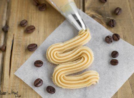 Pasta frolla al caffè per biscotti, la pasta frolla montata