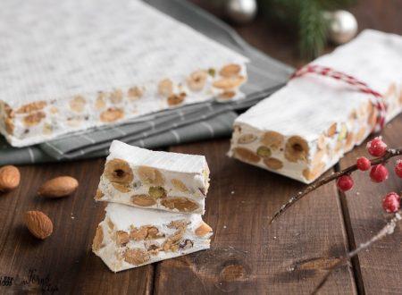 Torrone bianco morbido fatto in casa di Montersino, facile e veloce