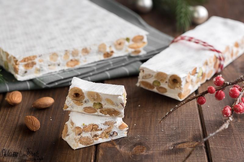 Buon Natale Con Il Torrone.Torrone Bianco Morbido Fatto In Casa Di Montersino Facile E Veloce