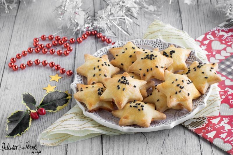 Stelle di pasta brisèe con formaggio e speck, antipasto facile di Natale ricetta Dulcisss in forno by Leyla