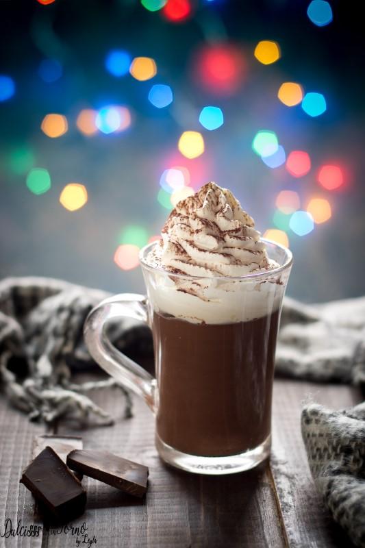 Cioccolata calda densa Bokeh di Natale fatta in casa pronta in 10 minuti ricetta Dulcisss in forno by Leyla