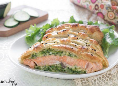 Salmone in crosta di pasta sfoglia con zucchine al forno