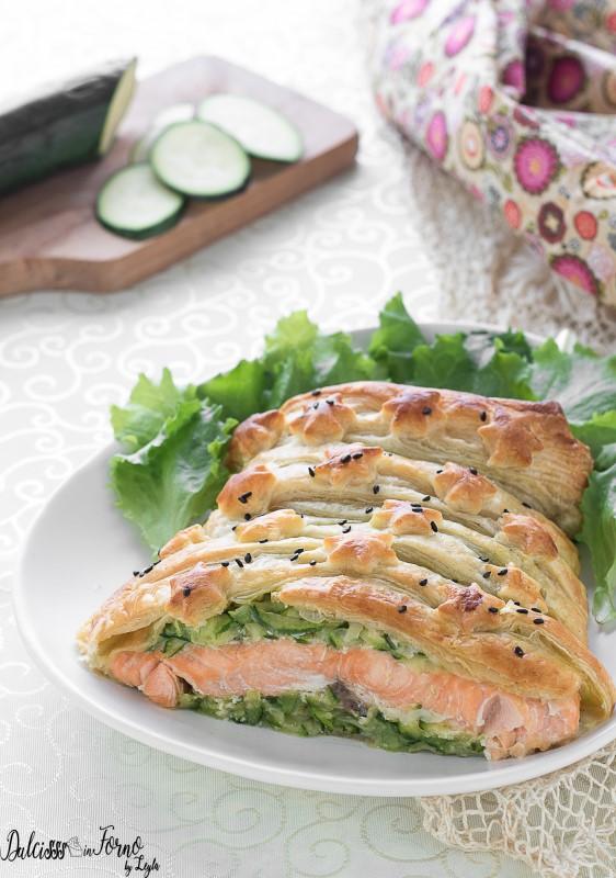 Salmone in crosta di pasta sfoglia con zucchine al forno ricetta Dulcisss in forno by Leyla