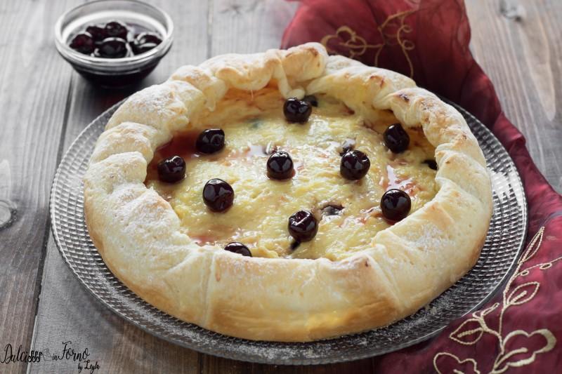 Torta con Pasta Sfoglia, Crema e Amarene
