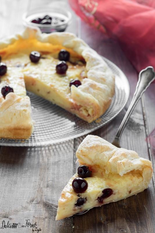 Torta crema pasticcera amarene e pasta sfoglia veloce o Torta con pasta sfoglia e crema ricetta Dulcisss in forno by Leyla