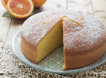 Torta soffice all'arancia senza burro, semplice e morbidissima