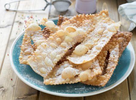Chiacchiere senza uova con panna friabilissime – solo 2 ingredienti