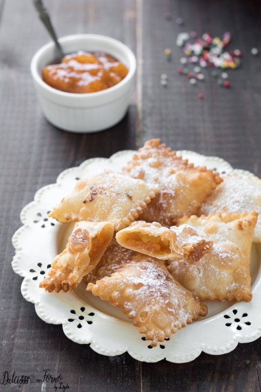 Bugie ripiene di marmellata o Chiacchiere ripiene di Carnevale ricetta Dulcisss in forno by Leyla