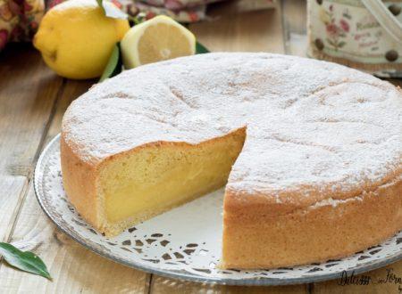 Torta al limone con crema al limone morbida e soffice, 3 strati di bontà