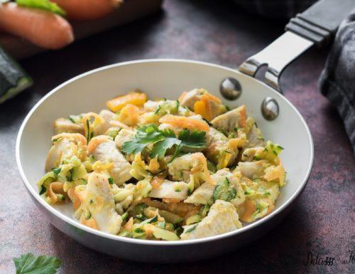Pollo con verdure: bocconcini di petto di pollo ricetta sfiziosa e leggera