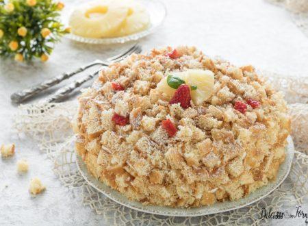 Torta mimosa ricetta facile, dolce con crema pasticcera e ananas