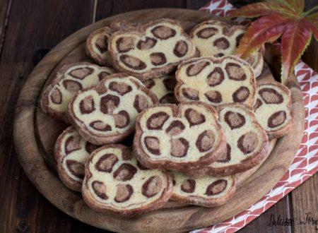 Come fare i biscotti bicolore leopardati bianchi e neri