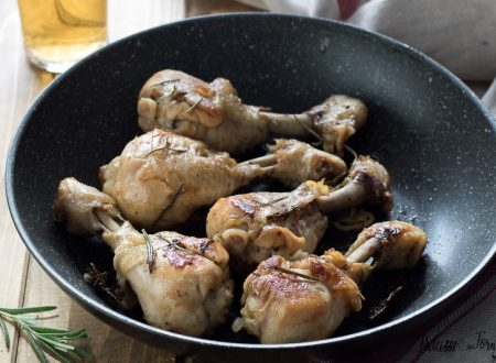 Cosce di pollo alla birra in padella o al forno, morbido, facile e saporito