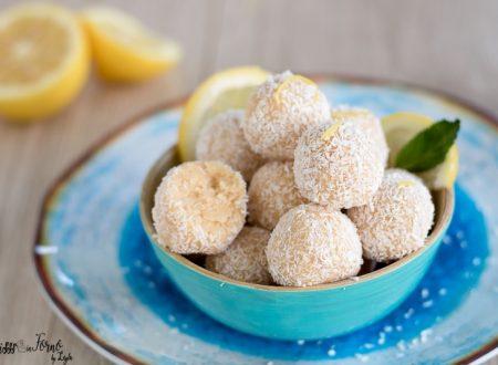 Tartufini bianchi al mascarpone limone e cocco