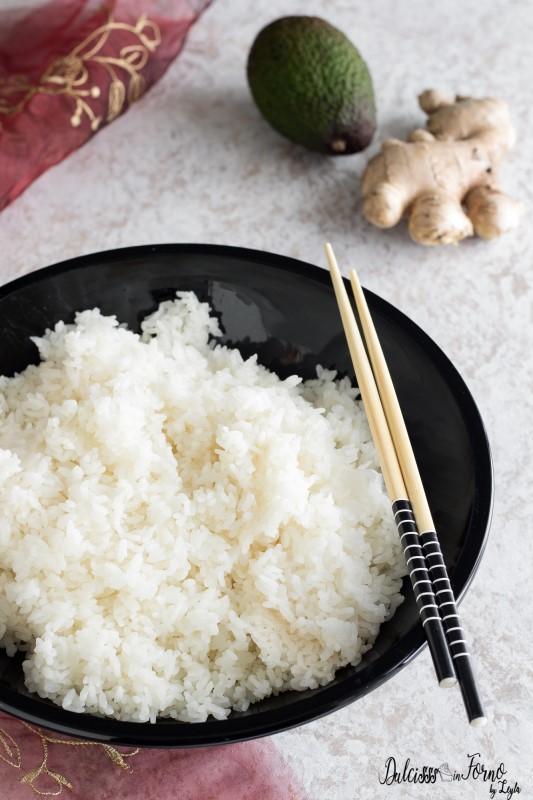 Come cucinare il riso per sushi perfetto e i tipi di sushi fatto in casa