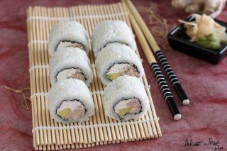 Uramaki philadelphia e tonno - Philadelphia Roll - Philadelphia Maki ricetta sushi senza pesce crudo facile