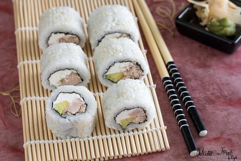 Uramaki philadelphia e tonno , Philadelphia Roll , Philadelphia Maki  ricetta sushi senza pesce crudo facile