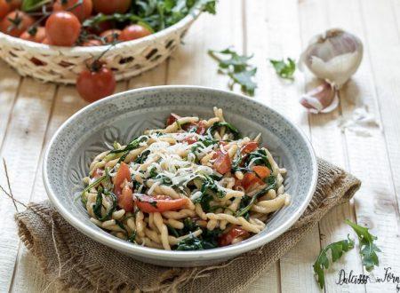 Pasta rucola e pomodorini alla pugliese
