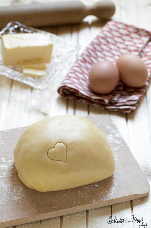 Pasta sablè per crostate e biscotti friabili, anche con con farina di mandorle o nocciole