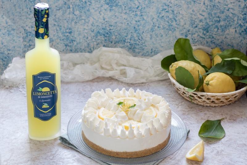 Cheesecake al limoncello senza cottura - Torta fredda al limone - Dolce al limoncello profumatissimo