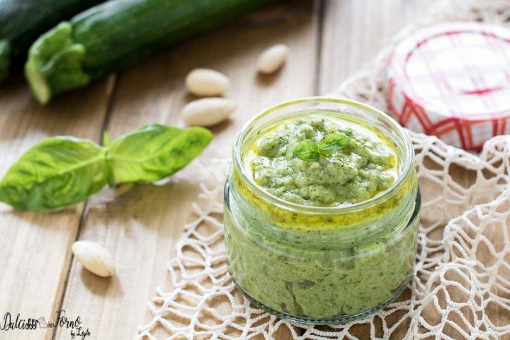 Pesto di zucchine crude e mandorle - Pesto zucchine e mandorle - Salsa di zucchine crude
