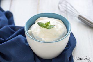 Crema con yogurt greco - Crema allo yogurt per farcire torte - Crema di yogurt leggera