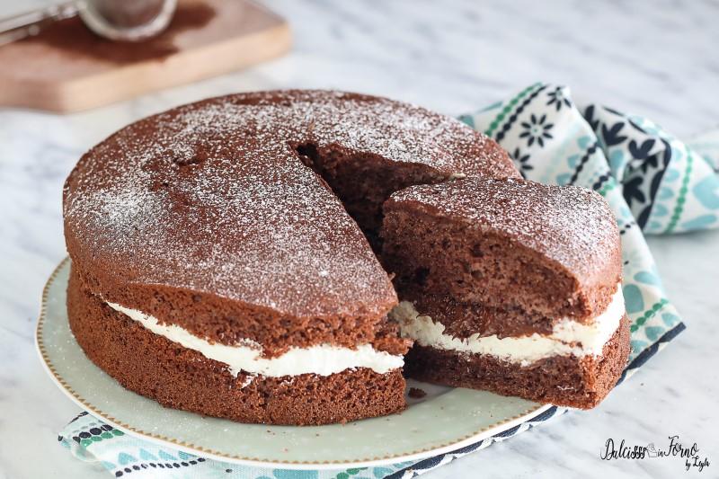 Torta al cioccolato panna e nutella. Torta al cioccolato panna e nutella  dolce semplice e veloce con