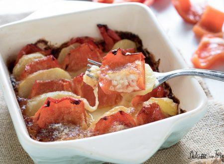 Peperoni e patate al forno con formaggio