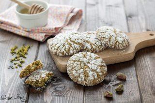 Biscotti al pistacchio morbidi con farina di pistacchio o paste di pistacchio