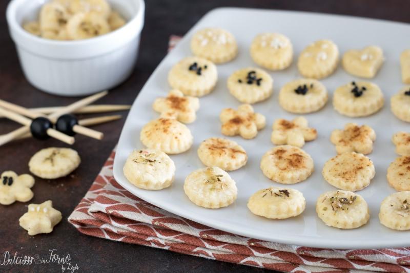 Biscottini salati per aperitivo al formaggio