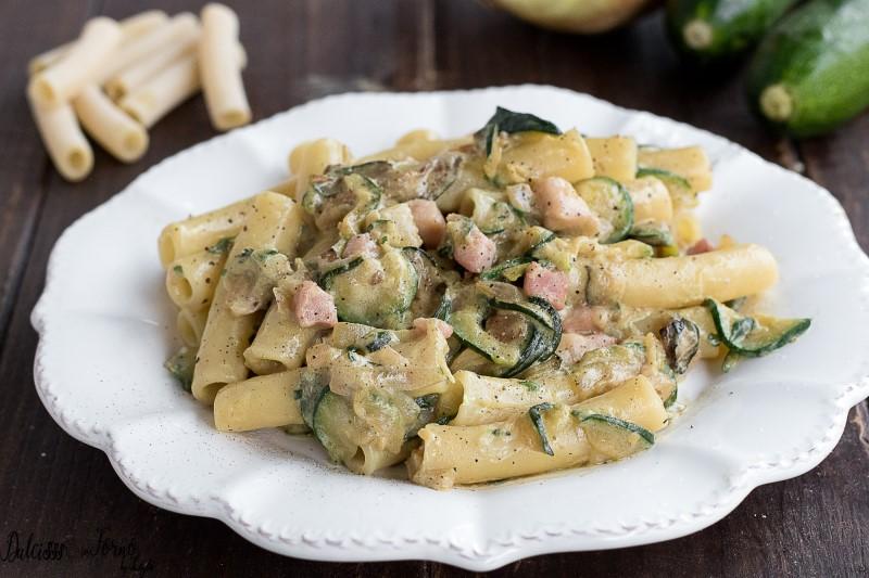 Pasta Panna Zucchine e Pancetta, Semplice e Cremosa