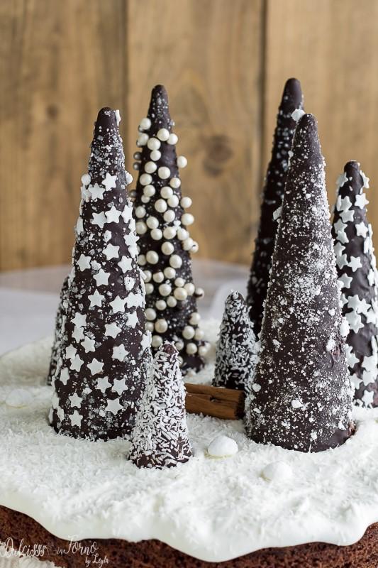 Alberi di cioccolato con i coni gelato - Alberi di natale di cioccolato - Alberi di Natale dolci