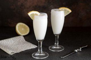 Sorbetto al limone cremoso in 5 minuti senza gelatiera - Sorbetto al limone con gelato