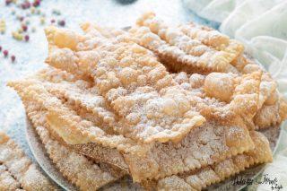 Chiacchiere fritte napoletane