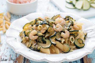 Ricetta pasta con zucchine e gamberetti