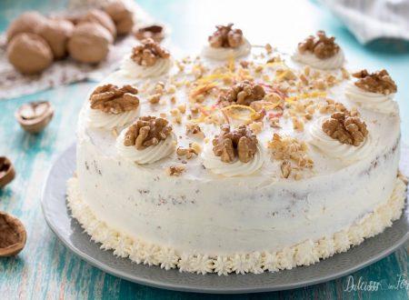 Torta di noci con crema al mascarpone
