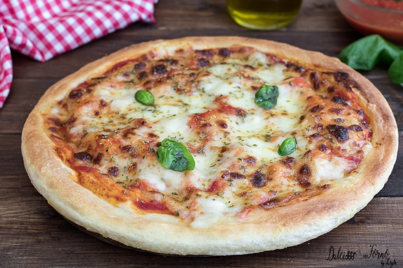 Impasto pizza fatta in casa buona come in pizzeria soffice e morbida