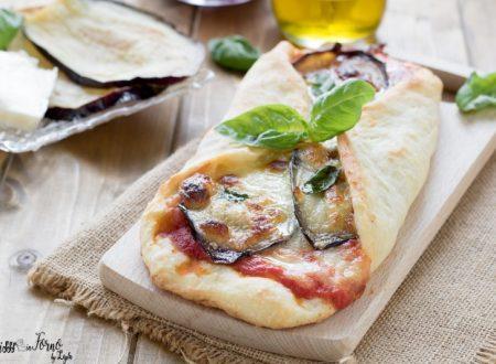 Pizza parmigiana con le melanzane alla siciliana