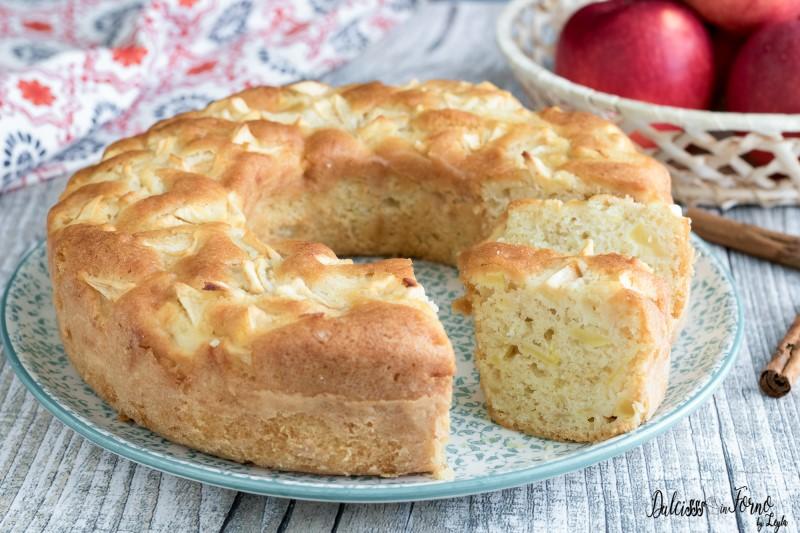 Ciambella alle mele ricetta Ciambellone alle mele - Ciambella di mele