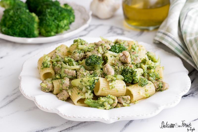 Pasta broccoli e salsiccia ricetta