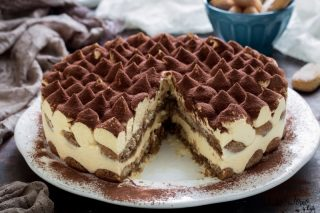 Torta tiramisu ricetta dolci con savoiardi