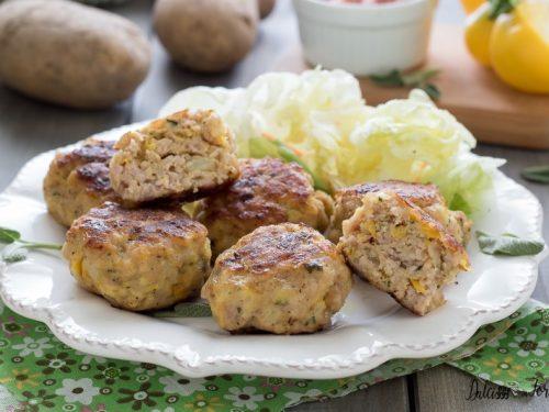 Polpette di carne con peperoni, polpette morbide e saporite
