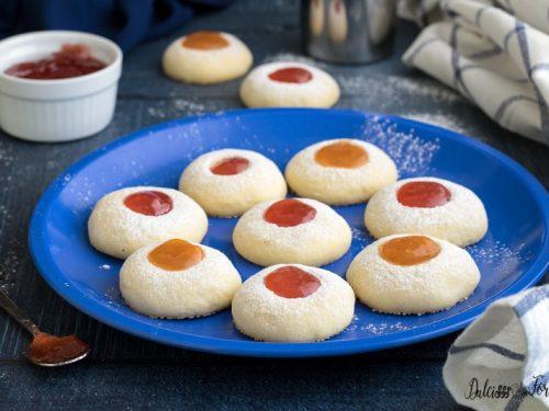 Biscotti con marmellata: biscotti al burro con marmellata facilissimi