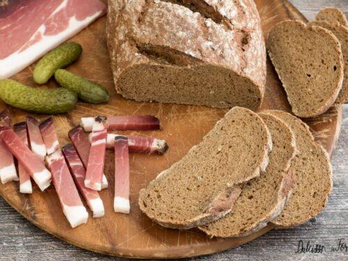 Pane nero, ricetta e consigli per farlo perfetto!