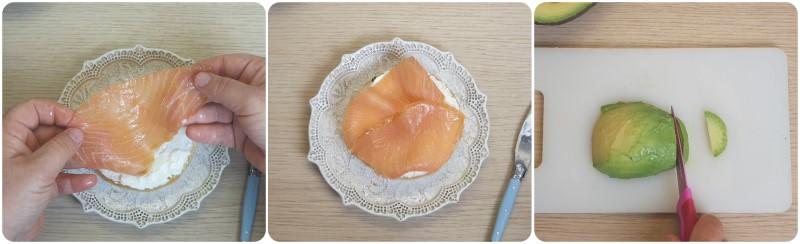 Bagels farciti con salmone e avocado