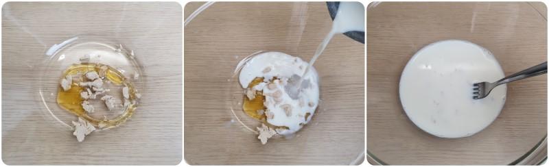 Amalgamare lievito, miele e latte - Ricetta focaccia dolce