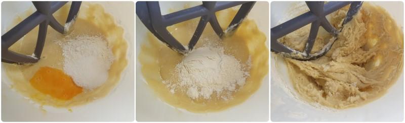 Unire la farina all'impasto dei maritozzi