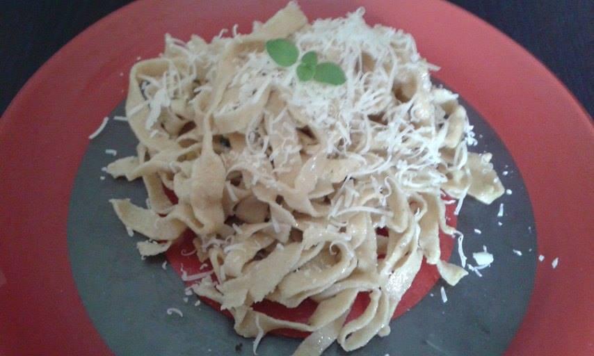 fettuccine integrali con maggiorana e aglio